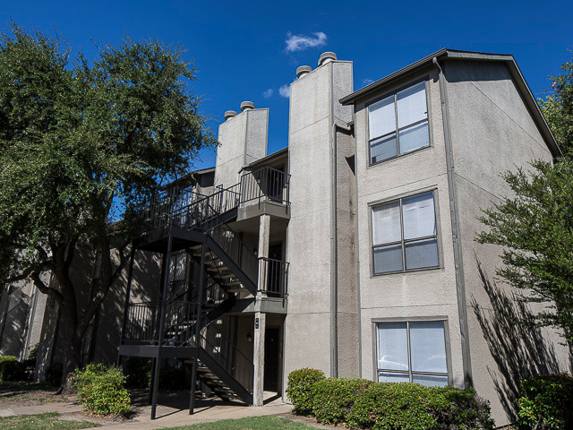 Landmark at Lake Village North - Here at Landmark at Lake Village North we are your best choice for any Garland, Texas, apartments and we are built to provide our residents with maximum comfort