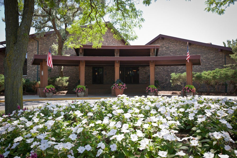 Harbor Pointe Apartments - Welcome to Harbor Pointe Apartments, a great place to call home