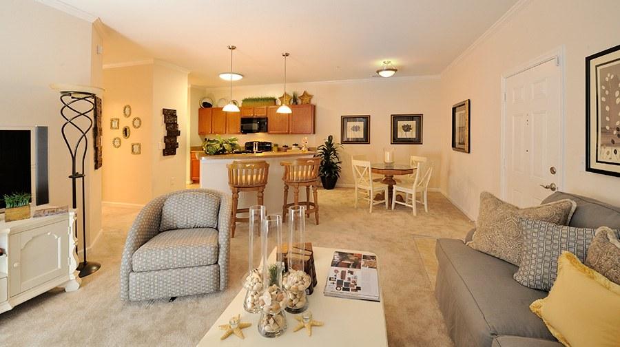 Tanglewood Lake Apartments