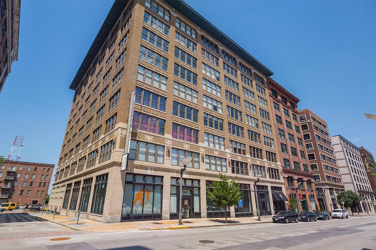 Ventana - We are proud to present The Ventana Lofts, a unique community managed by Maxus Properties! Enjoy the great downtown location of this community, in the Washington Avenue Loft District in Downtown St