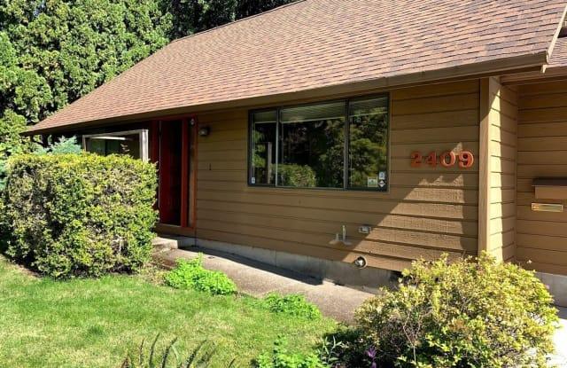 2409 NW Green Circle - 2409 Northwest Green Circle, Corvallis, OR 97330