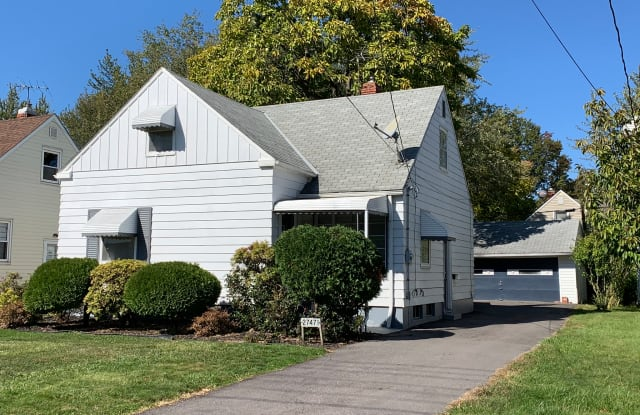27471 Forestview Ave - 27471 Forestview Avenue, Euclid, OH 44132