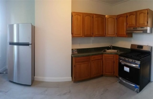 60-29 54th St - 60-29 54th Street, Queens, NY 11378