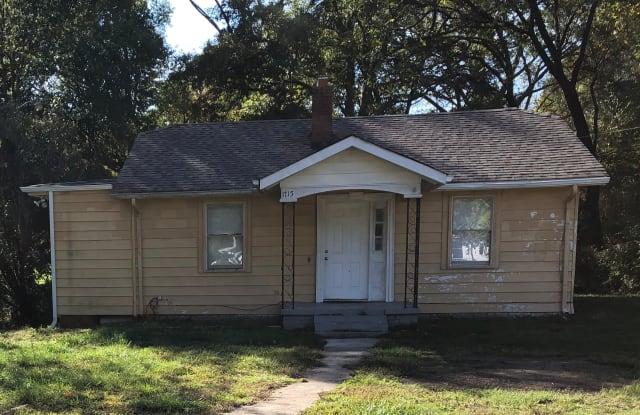 1715 W Davidson Ave - 1715 West Davidson Avenue, Gastonia, NC 28052