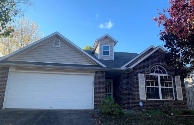 1121 Nelson DR - 1121 South Nelson Drive, Fayetteville, AR 72701