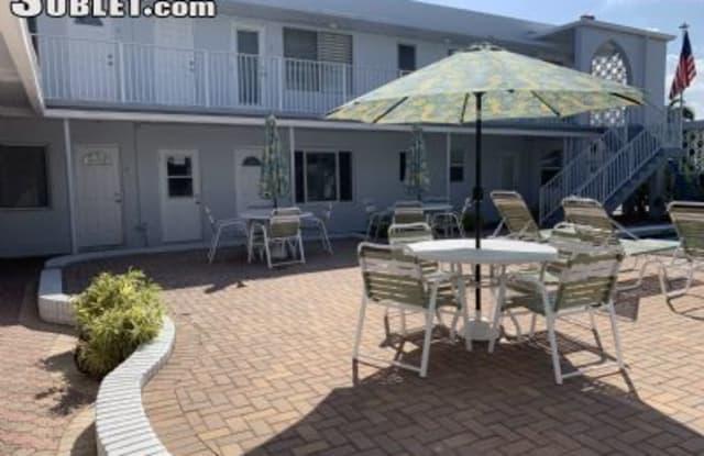 4228 Ocean Blvd. - 4228 N Ocean Dr, Lauderdale-by-the-Sea, FL 33308