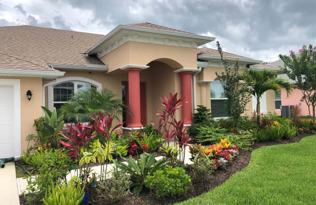 150 Via Catalano Court - 150 Via Catalano Court, Palm Bay, FL 32907