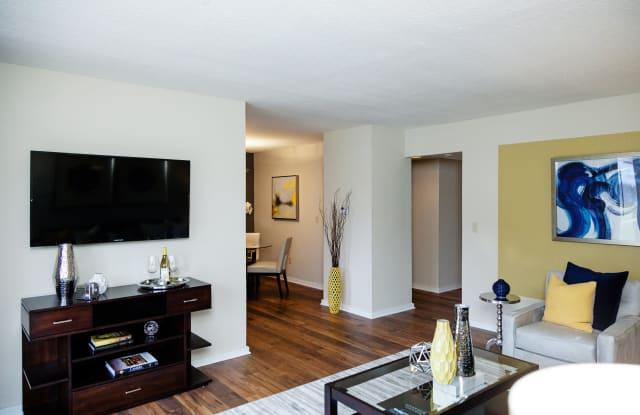 Lamberton Lake Apartments - 3118 1/2 Plaza Dr NE, Grand Rapids, MI 49525