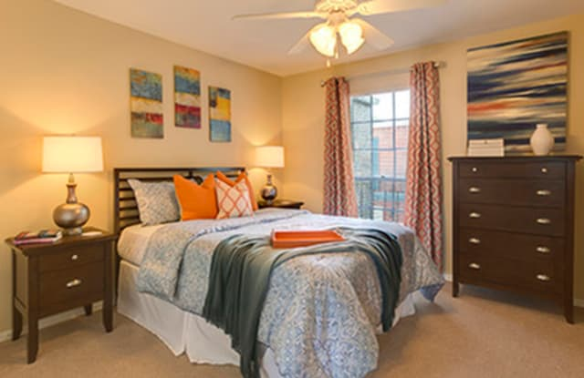 Canterbury Square - 3127 Transcontinental Dr, Metairie, LA 70006