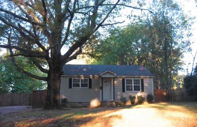 145 SYCAMORE - 145 Sycamore Road, Collierville, TN 38017