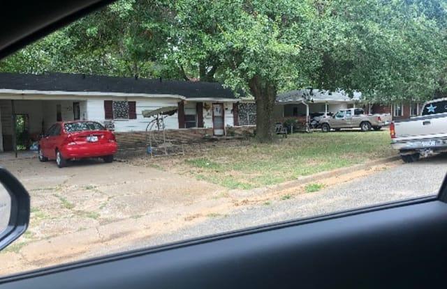 132 Oak Grove Drive - 132 Oak Grove Dr, Sulphur Springs, TX 75482