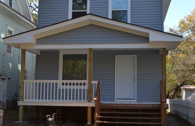 1275 SW Washburn Ave - 1275 Southwest Washburn Avenue, Topeka, KS 66604