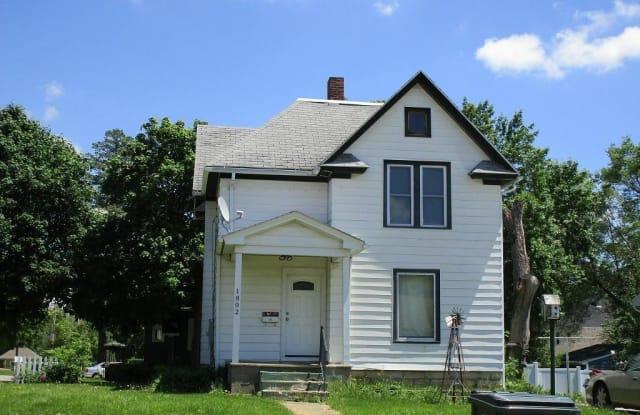 1802 Franklin Street - 1802 Franklin Street, Cedar Falls, IA 50613