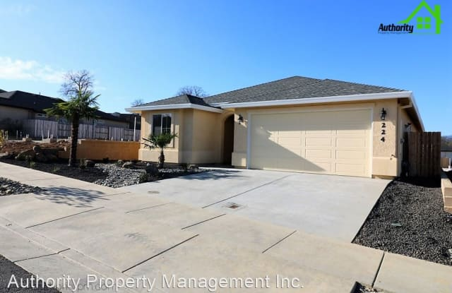 224 Mill Valley Parkway - 224 Mill Valley Parkway, Redding, CA 96003