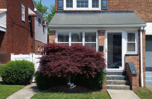 425 HURST STREET - 425 Hurst Street, Bridgeport, PA 19405