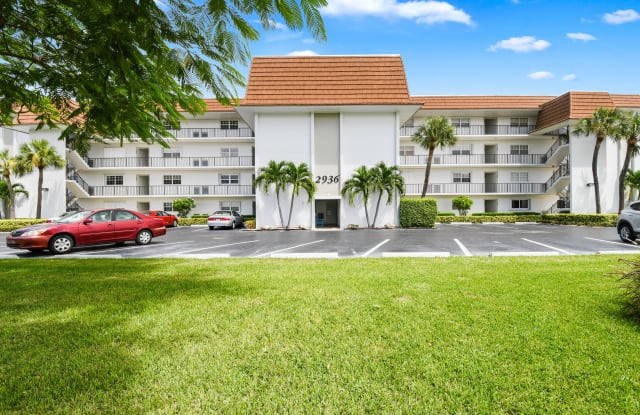 2936 Lake Shore Drive - 2936 Lake Shore Dr, Riviera Beach, FL 33404
