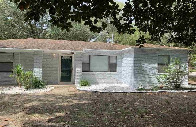 1905 ATHENS AVE - 1905 Athens Avenue, Warrington, FL 32507