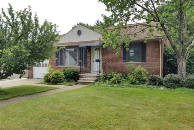 436 Adena St Northeast - 436 Adena Street Northeast, North Canton, OH 44720