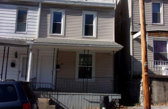 227 Jefferson Street - 227 Jefferson Street, Steelton, PA 17113