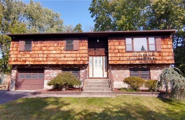 48 N Fremont Avenue - 48 Freemont Avenue North, Nanuet, NY 10954