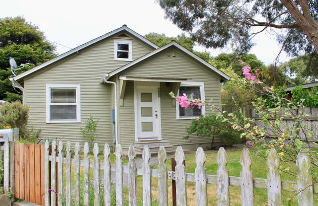 823 Walnut St - 823 Walnut Street, Pacific Grove, CA 93950