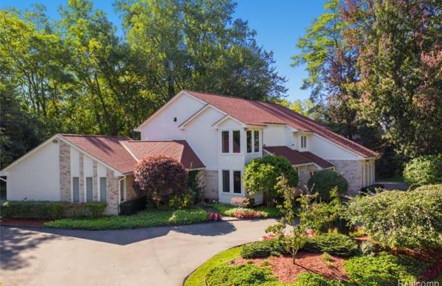 3339 PINE ESTATES Drive - 3339 Pine Estates, Oakland County, MI 48323