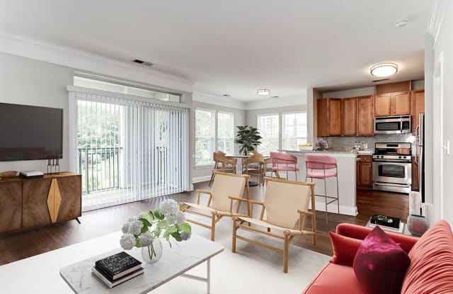 The Tuscany Apartments - 260 Yoakum Pkwy, Alexandria, VA 22304
