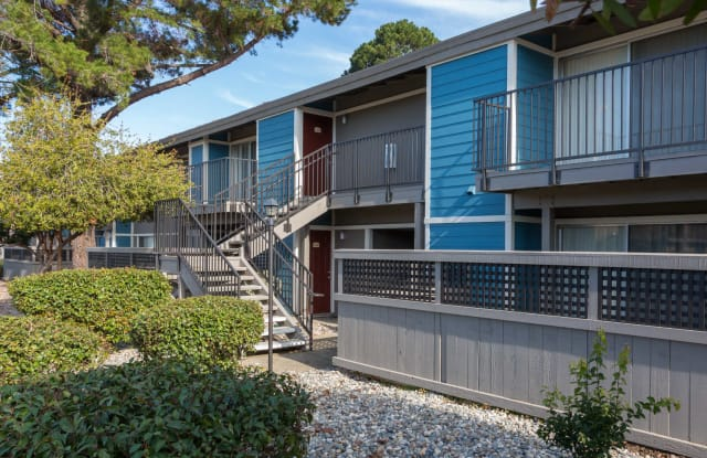 Reserve at Mountain View - 870 E El Camino Real, Mountain View, CA 94040