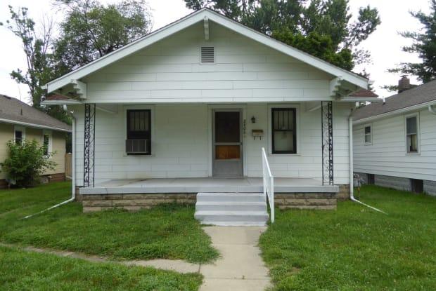 2406 Hulman Street - 2406 Hulman St, Terre Haute, IN 47803