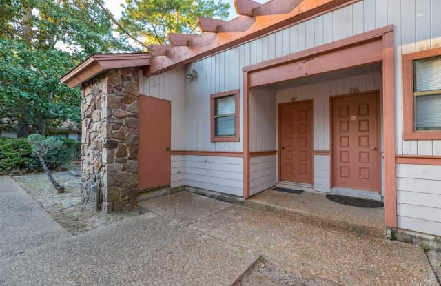409 Club Villa - 409 Club Drive, San Antonio, TX 78201
