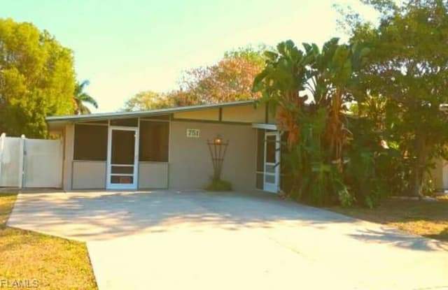 751 102nd AVE N - 751 102nd Avenue North, Naples Park, FL 34108