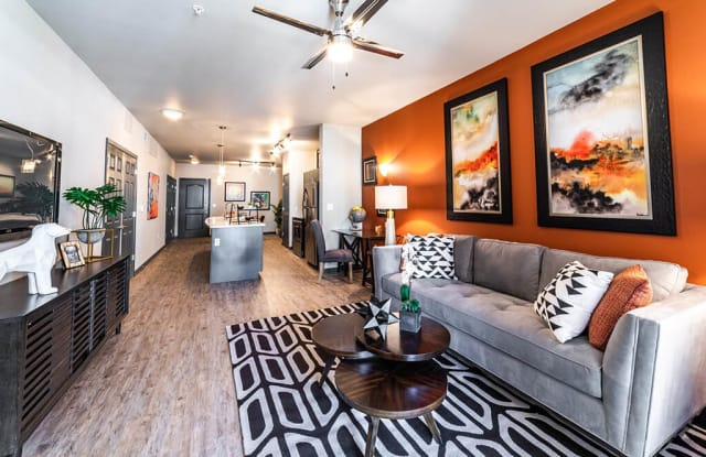 The Trinity Residences - 1800 Rogers Rd, Fort Worth, TX 76107