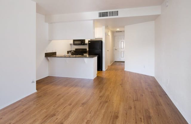 Horton 4th - 808 4th Avenue Suite 100, San Diego, CA 92101