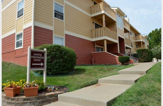 Raintree Apartments - 3708 SW 29th St, Topeka, KS 66614