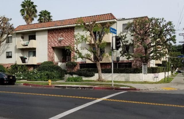 5202 NOBLE AVE. 202 - 5202 Noble Avenue, Los Angeles, CA 91411