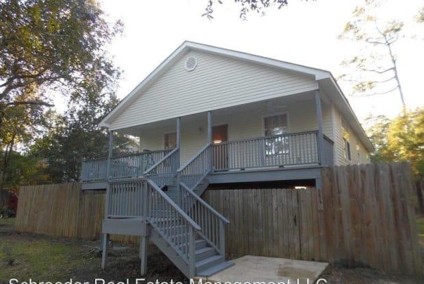 583 Henderson Avenue - 583 Henderson Ave, Pass Christian, MS 39571