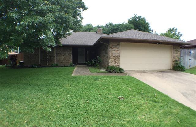 117 Amory Drive - 117 Amory Drive, Benbrook, TX 76126