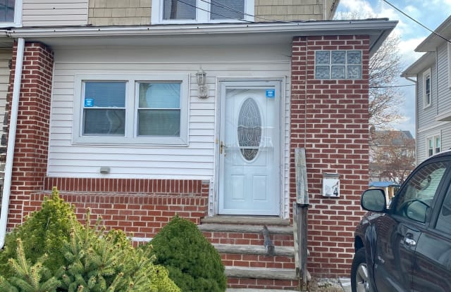 24 W Broadway Ave - 24 West Broadway Avenue, Clifton Heights, PA 19018
