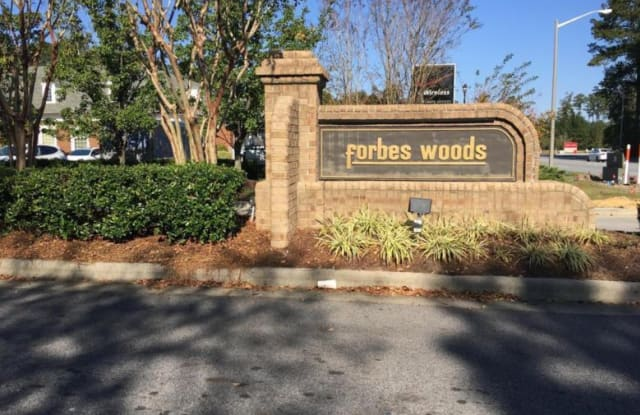 Forbes Woods - 2918 Mulberry Ln, Greenville, NC 27858