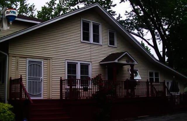 18309 Riegel Rd - 18309 Riegel Road, Homewood, IL 60430