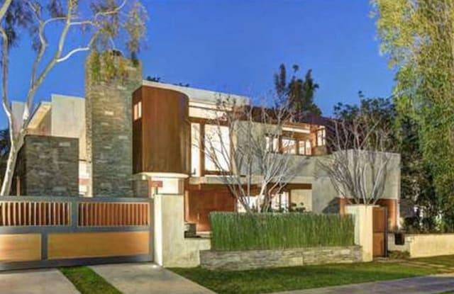 818 N Roxbury Drive - 818 North Roxbury Drive, Beverly Hills, CA 90210