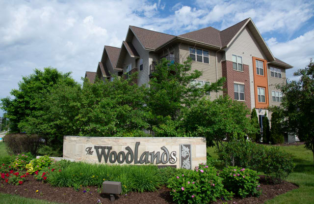 The Woodlands Apartments - W135 N7255 Lund Circle, Menomonee Falls, WI 53051