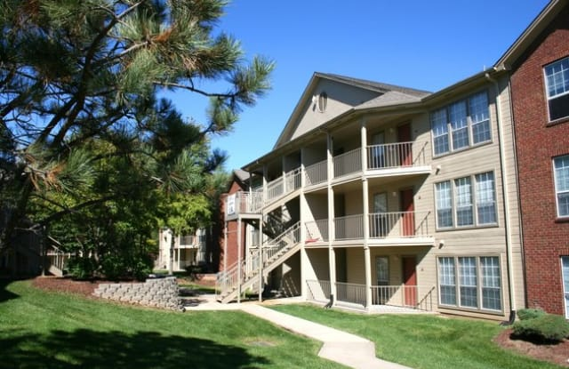 Campus View Apartments - 301 Campusview Dr, Columbia, MO 65201