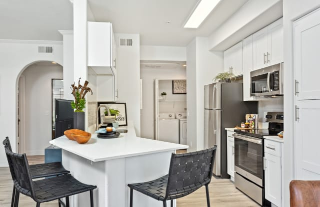 Zone Apartments - 7455 N 95th Ave, Glendale, AZ 85305
