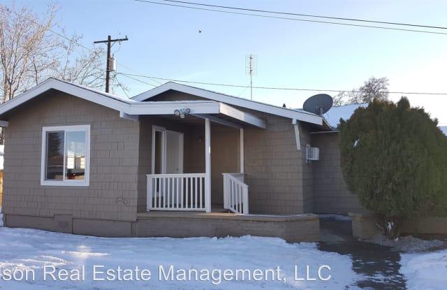613 1/2 Pleasant Ave - 613 1/2 Pleasant Ave, Yakima, WA 98902