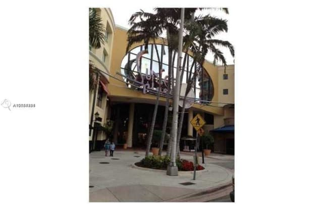 5741 Sunset Dr - 5741 Sunset Dr, South Miami, FL 33143