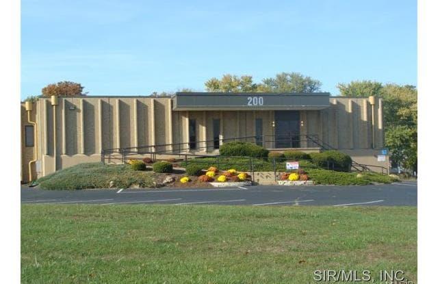 200 North CENTER Drive - 200 West Center Drive, Alton, IL 62002