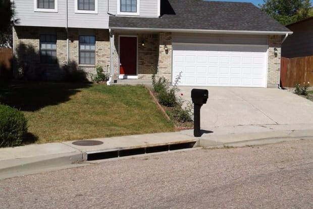 910 Harbourne St - 910 Harbourne Street, Security-Widefield, CO 80911