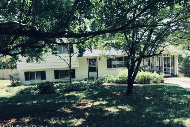 2701 Linkhorne Drive - 2701 Linkhorne Drive, Lynchburg, VA 24501