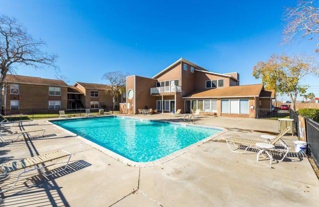 Shadow Bend - 6838 Everhart Rd, Corpus Christi, TX 78413